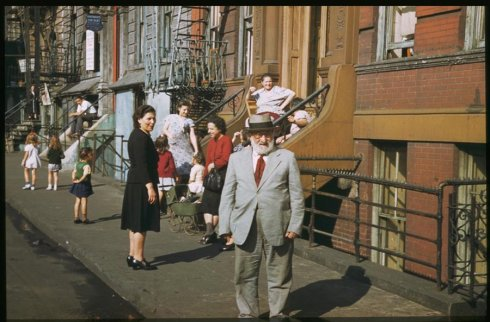 residents-of-lower-clinton-st-near-east-river-saturday-afternoon-1941