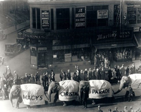 Walk In New York - New York Vintage - Macy s Thanksgiving 1927